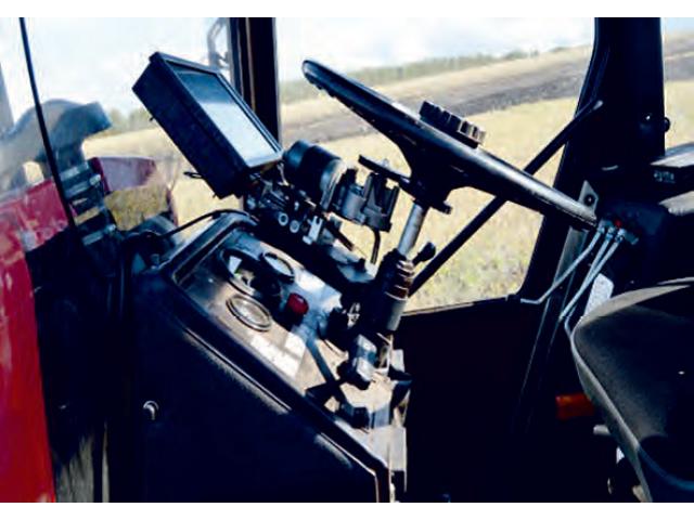 Мехатронный модуль для автоматического управления машинно-тракторным агрегатом,